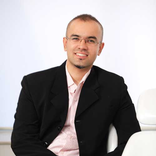 Dr. Priyank Mathur - Cosmetic Dentist & Implantologist